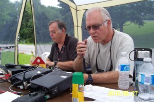 VA3XPR VE3CTA Field Day Toronto Ham Radio Amateur Ian Shaw VE3IJS VA3JE John Evelyn 2010 Emergency Communications CenTor ARC Club